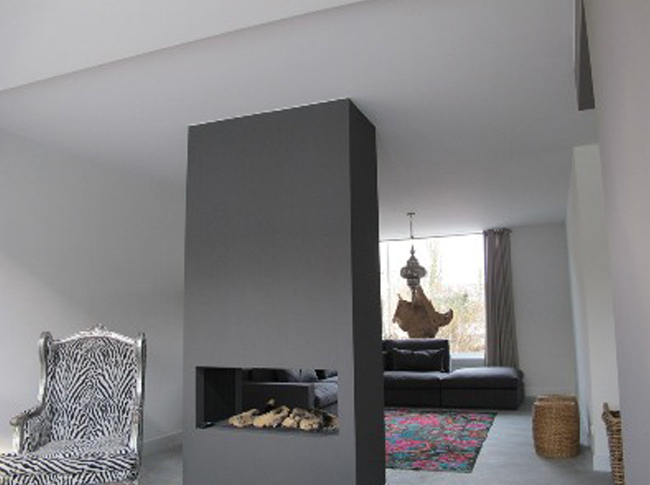 Eind resultaat gepleisterde cementdekvloer woonhuis Brabant