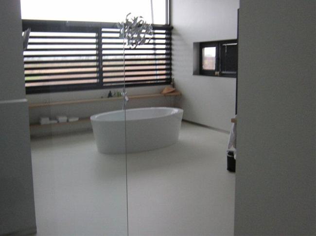 Gietvloer badkamer #woonbeton #berkersvloeren #gietvloeren #betonlook